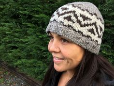 Ravelry: Salish Toque pattern by Sylvia Olsen Knitting Designs, Knitting Stitches, Knitting Needles, Hand Knitting, Cowichan Sweater, Knitting Patterns, Knitting Ideas, Yarn Crafts, Textile Art