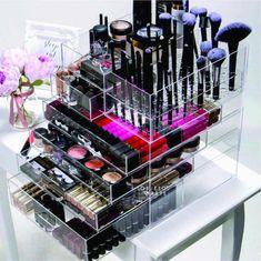 Makeup Desk, Makeup Rooms, Diy Makeup, Diy Storage Desk, Make Up Storage, Dressing Table Mirror Design, Dressing Room Design, Perfume Organization, Makeup Storage Organization