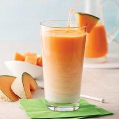 Pops au melon d'eau et kiwi - 5 ingredients 15 minutes Smoothie Proteine, Cantaloupe Smoothie, Cantaloupe And Melon, Cantaloupe Recipes, Radish Recipes, Smoothie Recipes, Hawaiian Desserts, Healthy Desserts, Milkshakes