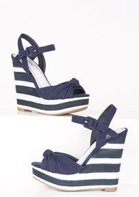 Blue and white WANT!!