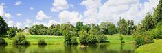 Klaipedia (Lituania) - Esta ciudad, que se extiende a lo largo de la laguna de los Curoni, revela influencias alemanas en la arquitectura de su centro histórico, donde encontrarás típicos recuerdos de ámbar.