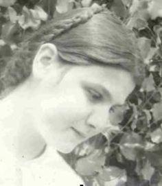 ΟΙ ΑΓΓΕΛΟΙ ΤΟΥ ΦΩΤΟΣ: Οσιομάρτυς Ντανιέλα.Tήν σκότωσε ὁ πατέρας της μέ ἀ... Lady Of Mount Carmel, Pray For Us, Now And Forever, Blessed Mother, Our Lady, Spirituality, Faith, Statue, People