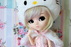 Hazel ♥   by Siniirr Hello Kitty, Crochet Hats, Teddy Bear, Toys, Animals, Knitting Hats, Activity Toys, Animales, Animaux