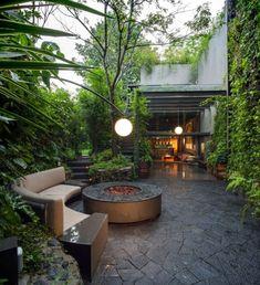 Cette habitation familiale baptisée Casa O' se trouve dans la ville de Mexico, c'est le studio Despacho Arquitectos HV qui s'est occupé de sa réalisation e
