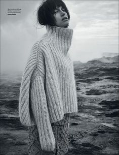"Fall Fashion 2017 ""Over-size turtleneck sweater"" Sabrina Ioffreda for Vogue Ukraine January 2016 by Agata Pospieszynska. Knitwear Fashion, Knit Fashion, Look Fashion, Fashion 2017, Fall Fashion, Vogue Ukraine, Looks Style, My Style, Chunky Knit Jumper"