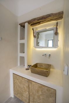 """A very cozy and different bathroom ensuite in the """"ground floor bedroom"""" in Villa Sole. All handmade and designed for this place. Vacation Homes For Rent, Old Wood, Luxury Villa, Ground Floor, Bathroom, House, Cozy, Handmade, Design"""