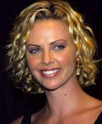 Resultado de imagen para cabellos cortos con vincha