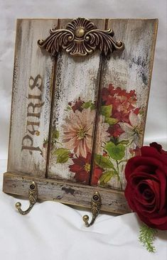 Decoupage Vintage, Decoupage Wood, Decoupage Furniture, Crafts To Sell, Diy And Crafts, Paper Crafts, Decorative Wall Hooks, Iron Orchid Designs, Creation Deco