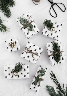 Article: Haw to wrap presents for a gardener. With free printable gift wrapping.