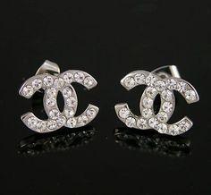 Imagem de chanel and earrings