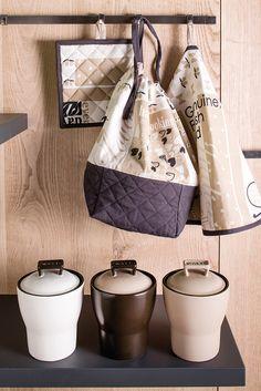 Living e Kitchen IN CUCINAKergrès® con decorazione a mano effetto matt, adatto all'uso in lavastoviglie | Wald Domus VivendiWald Domus Vivendi