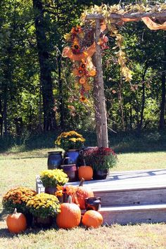 46 Outdoor Fall Wedding Arches | HappyWedd.com-------Wedding decorations