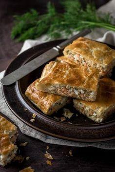 Lohipiirakka Ketogenic Recipes, Diet Recipes, Vegan Recipes, Keto Results, Fish And Seafood, Keto Dinner, Seafood Recipes, Bakery, Pork