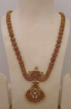 A spectacular piece of hard work and aesthetic, Traditional Temple jewelry !!