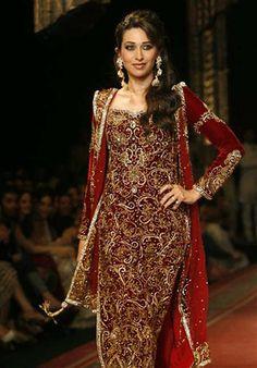 The always lovely, blue-eyed Bollywood beauty, Karishma Kapoor #KarishmaKapoor