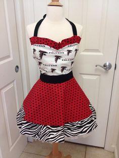 GAH! I need this apron!