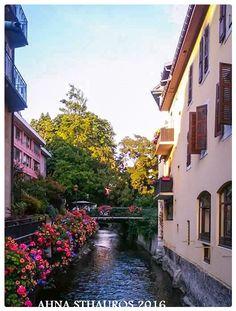 Annecy, localidad de la Alta Saboya en la región de los Alpes-Ródano en Francia. Hermosos lugares. Annecy, beautiful places Annecy is a town in the Haute Savoie, in the region of Rhone-Alps  France,