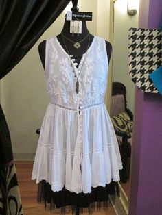 Wear this classic eyelet tank anywhere this summer! So cute! #ootd #tank #summer #style #fashion #MainstreamBoutique