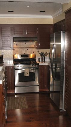 Testimonial Gallery: Rust-Oleum Cabinet Transformations® - A Revolutionary Kitchen Transformation System (Rustic Glaze)