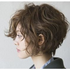 wavy hair Stylish Short Haircuts for Curly Wavy Hair - Hair Styles Stylish Short Haircuts, Short Hairstyles For Women, Hairstyles 2018, Trendy Hairstyles, Gorgeous Hairstyles, Layered Haircuts, Choppy Haircuts, Wedge Hairstyles, Hairstyles Haircuts