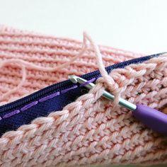 """158 Beğenme, 8 Yorum - Instagram'da Kate Alinari (@katealinari): """"Arriva Tele Tipo Strano! Uncinetto in pillole, trucchi e consigli per crocheter felici …"""""""
