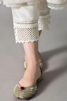 Sleeves Designs For Dresses, Dress Neck Designs, Stylish Dress Designs, Sleeve Designs, Blouse Designs, Salwar Designs, Kurta Designs Women, Kurti Designs Party Wear, Salwar Suit Neck Designs