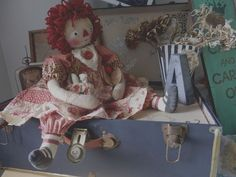 Primitive RaGGeDy ANN DoLL VinTaGe RED FaBRiCS AnTiQuE BuTToNs One-of-a-Kind