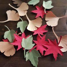 Stamattina ho finito un bel po' di foglie con la tecnica kirigami che finiranno nei vostri pacchetti. Adesso ci vestiamo e andiamo a prendere un po' d'aria... voi che fate di bello? . #paperart #paperflorist #dowhatyoulove #kirigami