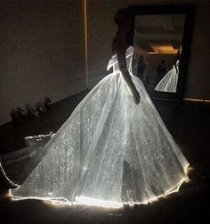 Claire Danes wore a gorgeous Zac Posen white ballgown that lit up in the dark at the Metropolitan Art Museum's Met Gala in New York on May 2, 2016.