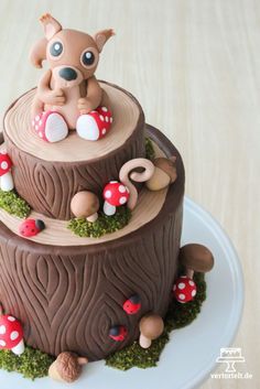 autumn forest cake with instructions for edible moss ›vert herbstliche Waldtorte mit Anleitung für essbares Moos › vertortelt.de autumn forest cake with instructions for edible moss › vertortelt. Cupcakes, Fondant Cookies, Cupcake Cakes, Beautiful Cakes, Amazing Cakes, Zucchini Cake, Forest Cake, Fall Cakes, Cake Tutorial