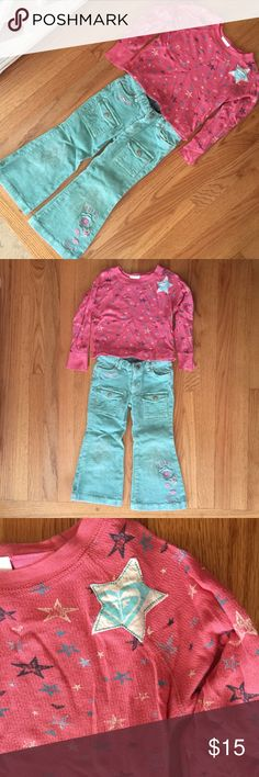 ROXY TEE & PUMPKIN PATCH CORDS GIRLS SIZE 4 ROXY ALL-OVER STAR⭐️PRINT LONG SLEEVE T-SHIRT & PUMPKIN PATCH AQUA CORDUROY PANTS. (Pumpkin Patch is a brand sold at Nordstrom & their own stand alone stores.) Both Size 4. GUC. No stains. Visible wash wear. Knees show some wear on the cords. ROXY logo featured in the star on the left shoulder of the tee (see 3rd pic). ➡️Check out my closet for more great kids' clothes!! 🚫No Trades. Just looking to sell please.🌻Reasonable offers welcome!🌻B10…
