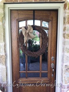 I really want this door... and wreath.