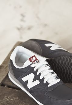 New Balance 420 Navy Trainers