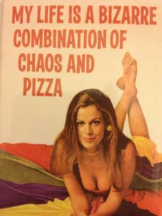 My life is a bizarre combination of chaos and pizza Pizza Life, Pizza Pizza, Pizza Jokes, Knead Pizza, Pizza Oven Kits, Piece Of Pizza, Pizza Planet, Diet Humor, Pizza Party
