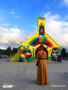 """Kaos Temple, o artista transformou uma antiga igreja da cidade de Llanera, na Espanha, no """"Templo do Skate""""."""