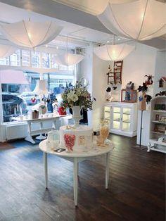 Luna & Curious in London // Calvert ave Umbrella Decorations, Umbrella Lights, Umbrella Shop, London Shopping, Shops, Retail Space, Store Displays, Shop Interiors, Trendy Home
