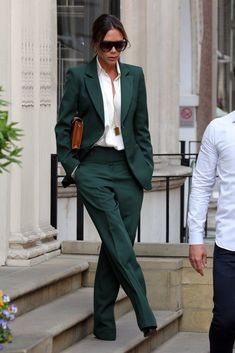 Victoria Beckham's Green Suit fashion Victoria Beckham Just Bohemian-ized the Heck Out of Her Pantsuit With 1 Key Accessory Suit Fashion, Work Fashion, Fashion Pants, Fashion Outfits, Womens Fashion, Fashion Trends, Cheap Fashion, Fashion Top, Green Fashion