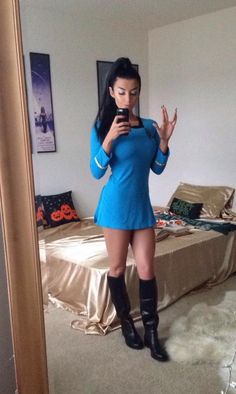 And You Thought Star Trek Was Just For Nerds! 32 Of The Hottest Trekkie Cosplay Girls Star Trek Crew, Star Trek Tos, Marvel Cosplay Girls, Star Trek Cosplay, Star Trek Episodes, Star Trek Images, Star Trek Characters, Star Trek Starships, Star Trek Universe