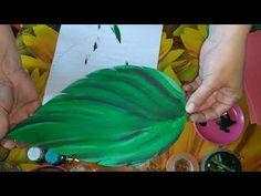 Очень эффектный листок из изолона!!!🍃 - YouTube Dyi Flowers, Giant Paper Flowers, Felt Flowers, Diy Paper, Paper Crafts, Crepe Paper Flowers Tutorial, Diy And Crafts, Crafts For Kids, Craft Ideas
