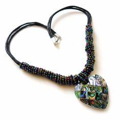 Collier mit Paua Abalone Herz und multicolor Glas-Perlen  Herz ca. 35 x 35 mm  Länge ca. 48 cm  Karabinerverschluss  Handgefertigt  #JOY #Einzelstücke #abalone #glasperlen #Collier #Herz #multicolor #handgefertigt #schmuck #abalonecollier #herzcollier #handcrafted #Necklace #heart #multicolor #abalonenecklace #heartnecklace #handmade #handmadejewelry #jewelry #jewellery #bijoux #Geschenk #Geschenkidee #gift #freudeschenken #syle #love #sehenswert #Liebe #Love #Lifestyle #onlineshop #fashion Beaded Necklace, Necklaces, Pendant Necklace, Joy Shop, Pendants, Gift Ideas, Crafts, Jewelry, Handmade Jewelry