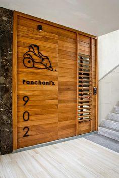 Pachani's residence portas e janelas modernas por moderno Main Entrance Door Design, Home Entrance Decor, Front Door Design, Entryway Decor, Entrance Ideas, Entrance Doors, Door Design Interior, Industrial Interior Design, Interior Barn Doors