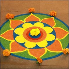 Welcome 2014 with these beautiful dot rangoli designs for new year. We have 20 stunning rangoli designs for you to decorate your home with. Easy Rangoli Designs Diwali, Rangoli Simple, Rangoli Designs Latest, Rangoli Designs Flower, Latest Rangoli, Small Rangoli Design, Rangoli Ideas, Rangoli Designs Images, Rangoli Designs With Dots