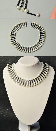 Like the original pearl and bugle beads necklace?The tutorial will be shared by LC.Pandahall.com soon. Handmade Beaded Jewelry, Handmade Necklaces, Diy Jewelry, Necklace Tutorial, Diy Necklace, Beaded Necklace Patterns, Beaded Bracelets, Bugle Beads, Bead Jewellery