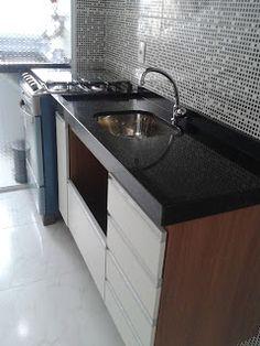 """Meu primeiro Apartamento: Cozinha e lavanderia com granito instalado """"Preferida"""""""