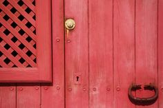 Red Door Images Pi - October 13 2018 at Gate Images, Door Images, Free Stock Photos, Free Photos, Cool Photos, Home Staging, Web Design Basics, Wooden Gates, Sliding Barn Door Hardware