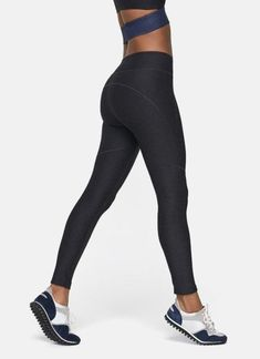Your go-to outdoor leggings. Engineered to sculpt and fit like a glove. Made in our mid-weight, durable Textured Compression fabric. Leggings Mode, Cheap Leggings, Tops For Leggings, Sports Leggings, Leggings Fashion, Workout Leggings, Workout Pants, Black Leggings, Leggings Style