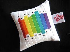 Rainbow #2 Pincushion | Flickr: Intercambio de fotos