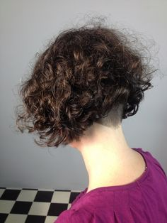 Undercut Curly Hair, Thick Curly Hair, Curly Hair Cuts, Short Hair Cuts, Short Hair Styles, Nape Undercut, Curly Blonde, Short Curly Haircuts, Curly Bob Hairstyles