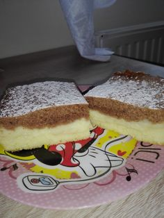 Jablečné řezy s pudinkem. Fantastické dvoubarevné těsto, připomínající koláč den a noc. Autor: Gaštanka Czech Recipes, Ethnic Recipes, No Bake Cake, Amazing Cakes, Tiramisu, Donuts, Food To Make, Ale, Sandwiches