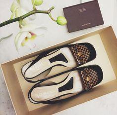 Louis Vuitton slippers in damier